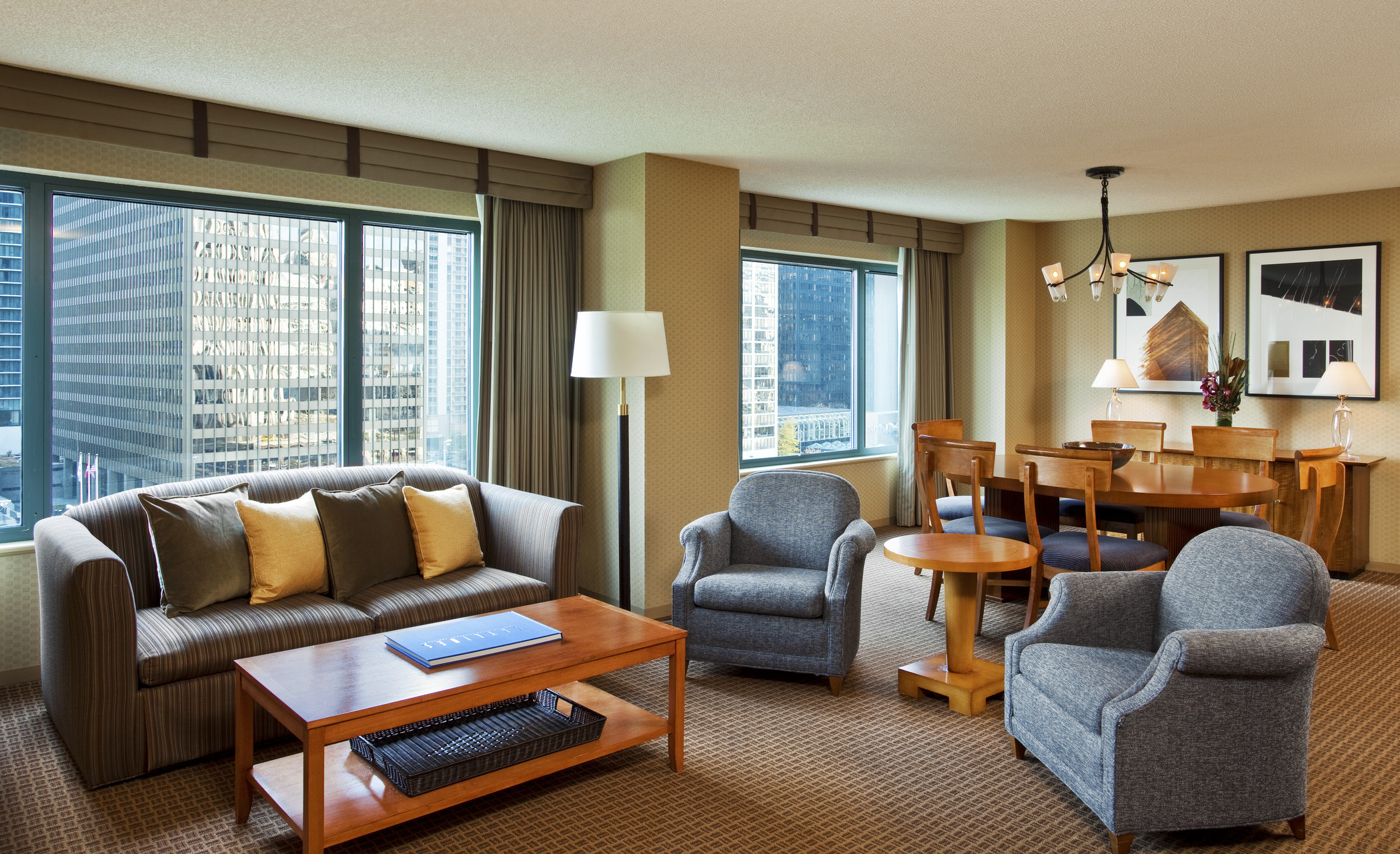 Starwood Suites Sheraton Grand Chicago